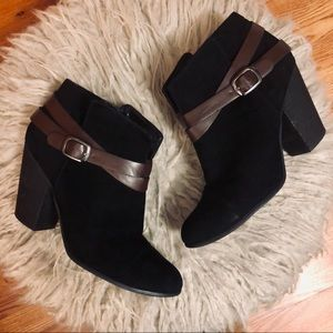 ❤️ Black Suede and Brown Faux Leather Booties